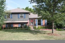 7704 Chimney Rock Ct, Louisville, KY 40220