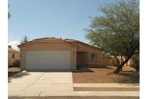 8117 N Kearny Dr, Tucson, AZ 85743