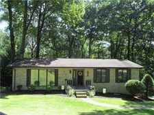 451 Cherokee Dr, Center Twp - But, PA 16001