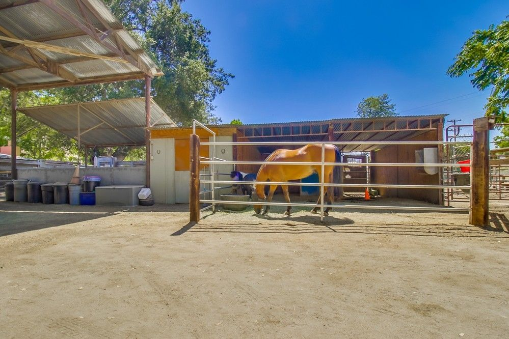 13326 Willow Rd Lakeside, CA 92040