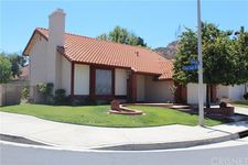 28124 Vernal Way, Saugus, CA 91350