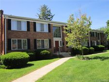 32718 Grand River Ave Unit 3, Farmington, MI 48336