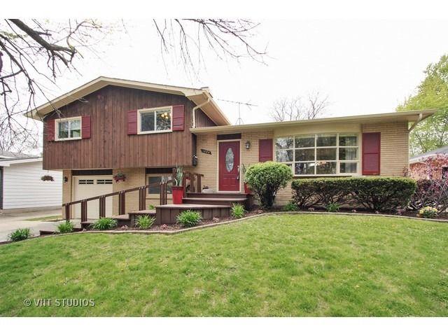 1404 Glenwood Ave Waukegan Il 60085 Realtor Com 174