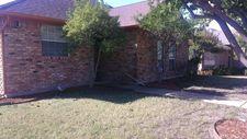 1403 Tad St, Ennis, TX 75119