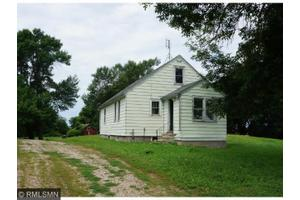 11713 110th Ave, Madelia, MN 56062