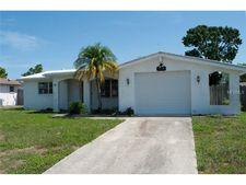9724 Lakeside Ln, Port Richey, FL 34668