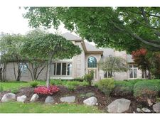 4502 Cherry Hill Dr, Orchard Lake, MI 48323