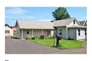4356 Pine St, Feasterville Trevose, PA 19053