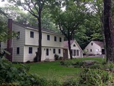 31 Park Ave, Standish, ME 04084