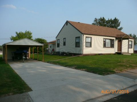 Photo of 320 N Center St, Dickeyville, WI 53808