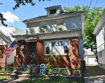 85-54 260th St, Floral Park, NY 11001