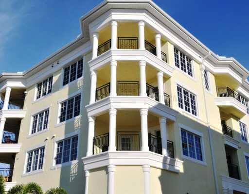 301 Beach Rd Unit B Sarasota, FL 34242