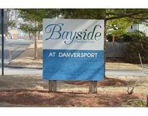 11 Riverside Ave Apt 107, Danvers, MA 01923