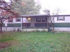 1905 Overlook Dr, Hermitage, PA 16148