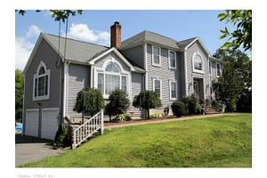 11 English Ln, Shelton, CT 06484
