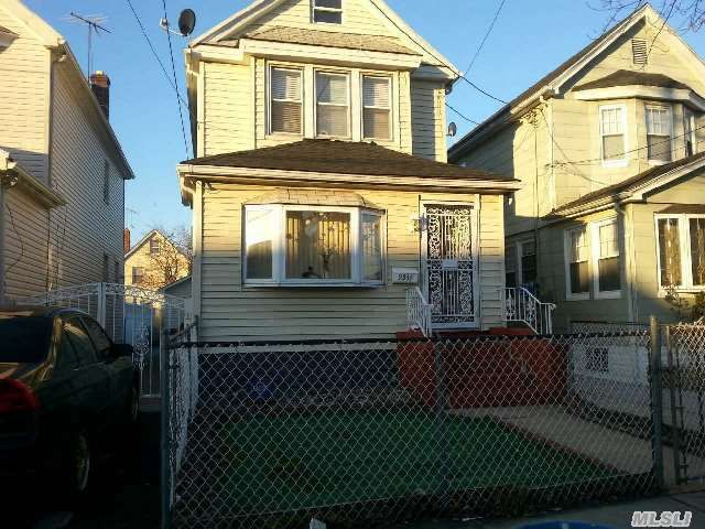 9344 214th St, Queens Village, NY 11428