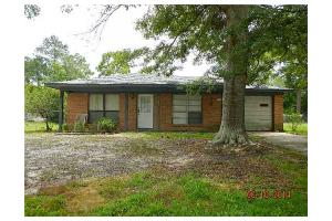 5685 Picadilly Circus St, Gautier, MS 39553