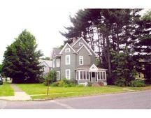 101 Sycamore St, Holyoke, MA 01040
