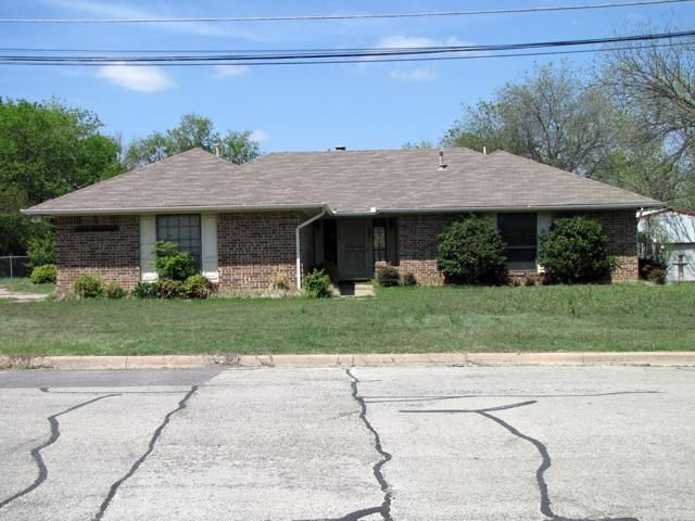 709 Bluebird St, Fort Worth, TX