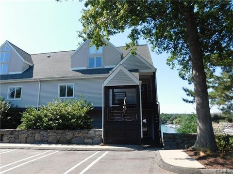 231 Popes Island Rd, Milford, CT 06461
