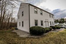 520 Dowd Ave, Canton, CT 06019