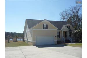 2 Leesberry Ln, Eastover, SC 29044
