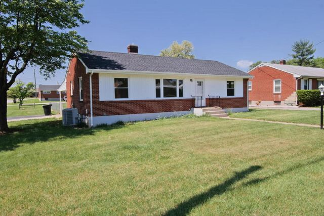 5302 Hearthstone Rd Nw Roanoke Va 24012 Home For Sale And Real Estate Listing
