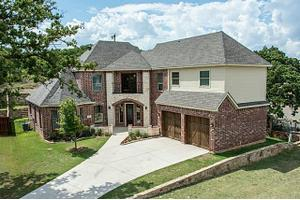 7109 Stone Villa Cir, North Richland Hills, TX 76182