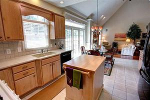 188 Barrington Village Dr, Beavercreek, OH