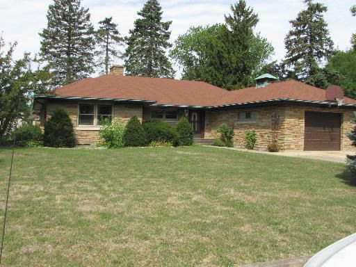 852 Luther Ln, Chicago Heights, IL