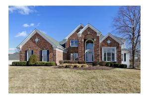 14216 Manderleigh Woods Dr, Town And Country, MO 63017