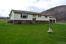 6586 Hardscrabble Rd, Great Valley, NY 14748