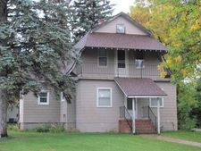 802 1St Ave Sw, Hankinson, ND 58041