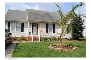 4709 Tuliptree Dr, Greensboro, NC 27455