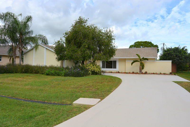 257 Se Ray Ave, Port Saint Lucie, FL 34953