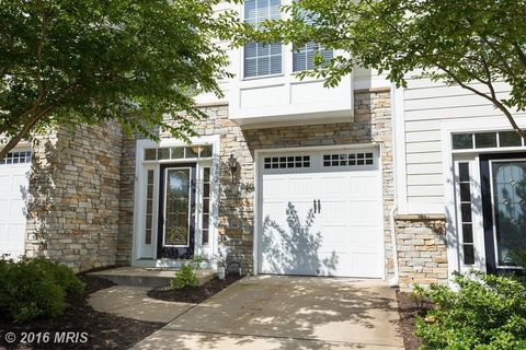502 Monroe Point Dr, Colonial Beach, VA 22443