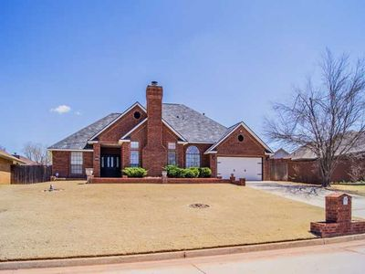 704 N Mitchell Ter, Mustang, OK