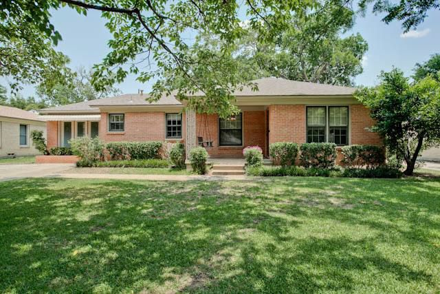 1647 Quadrangle Dr, Dallas, TX 75228