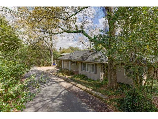1 Bamboo Rd, New Orleans, LA 70124