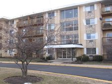 2218 S Goebbert Road Unit: 490, Arlington Heights, IL 60005