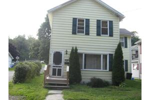 113 Gorham Ave, Mayfield, PA 18433