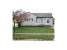 15504 Greendale Rd, Maple Heights, OH 44137