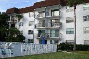 118 S Halifax Ave Apt 208, Daytona Beach, FL 32118