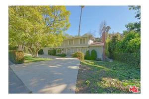 126 N Canyon View Dr, Los Angeles, CA 90049