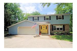 5670 Highland Terrace Dr, Miami, OH 45150
