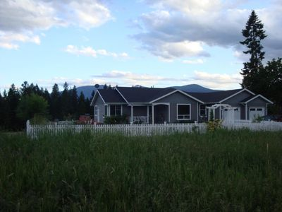 1406 Porthill Loop, Port Hill, ID