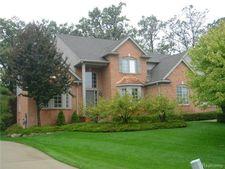 4457 S Castlewood Ct, Auburn Hills, MI 48326