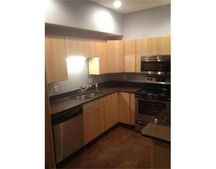 20 William St Apt 4, Worcester, MA 01609