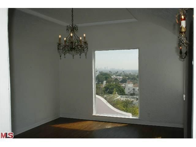 8237 Roxbury Rd Los Angeles Ca 90069 Realtor Com 174