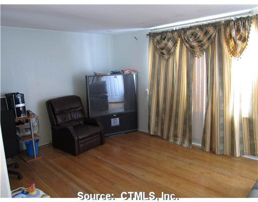 55 Memory Ln, Bridgeport, CT 06606